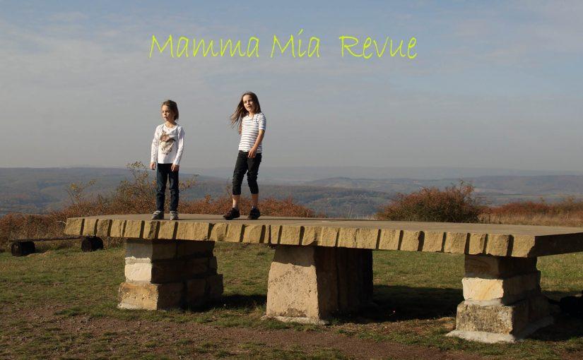 Mamma-mia-revue
